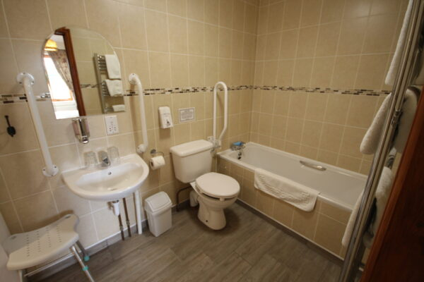 Lintel Barn Bathroom
